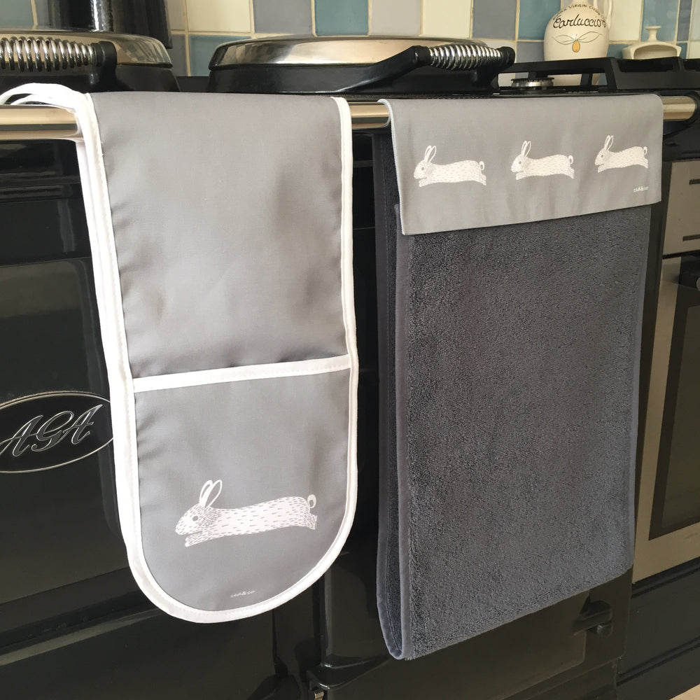 Hare Oven Glove In Grey - Zed & Co