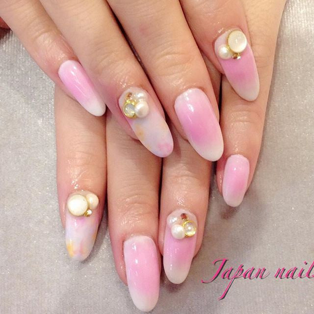 HOT!! Latest cheek nails!!