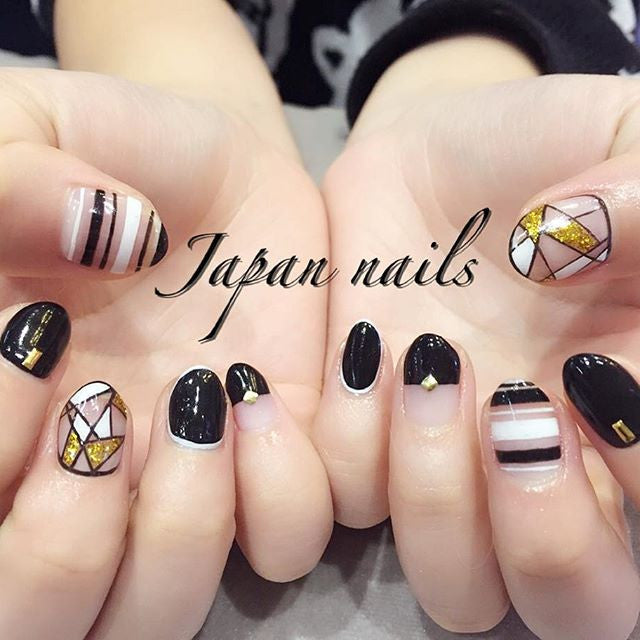 Black nails, Japanese Nail Salon