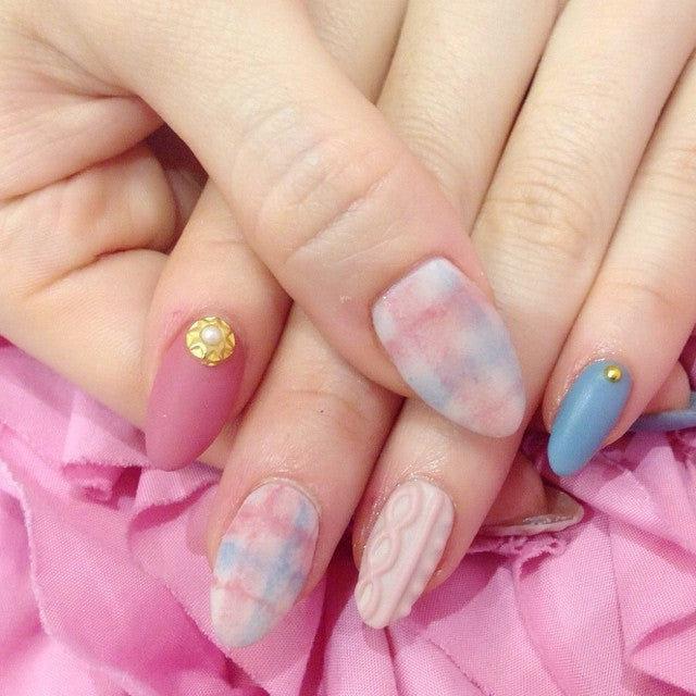 White Japanese winter style nail design