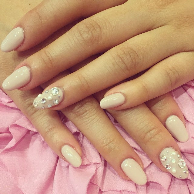 Gel and diamond nail design