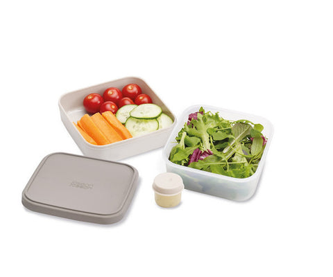 Space-Saving Salad Box