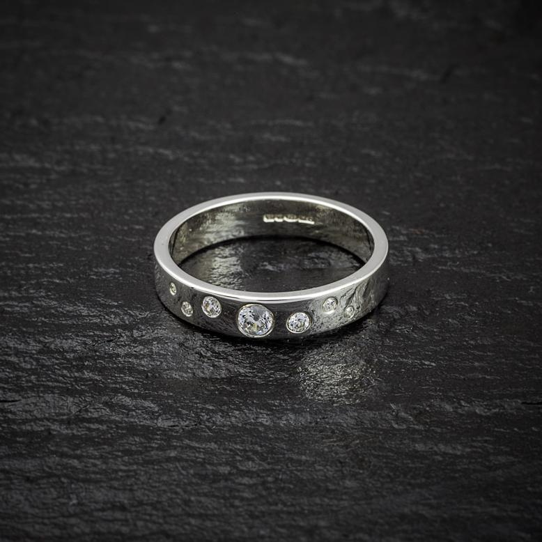 Heilagr Contemporary Stone Set Ring - SR7-Ogham Jewellery