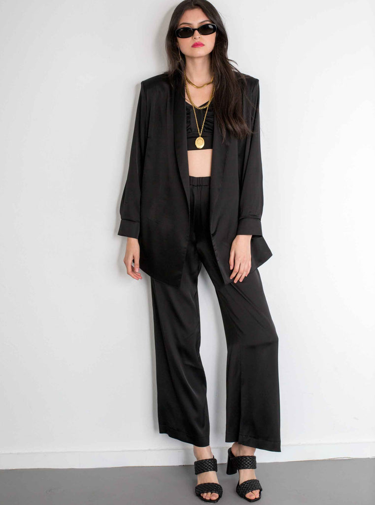THE CONFIDENCE SUIT - BLACK BLAZER IN SILKY VISCOSE