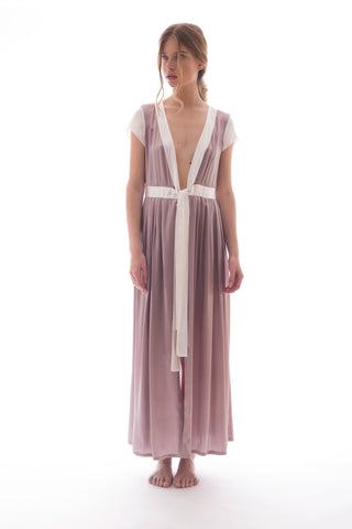 ROMANCE IN DISGUISE (KIMONO IN DUSTY PINK - 100% SILK)