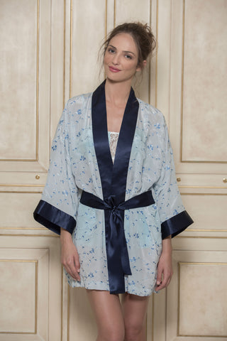 SONATA FOR THE DAWN - SILK KIMONO IN BLUE