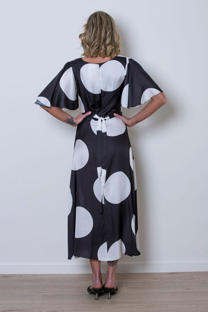 roses-are-red - DENISE SILKY VISCOSE DRESS - BLACK & WHITE - DRESS