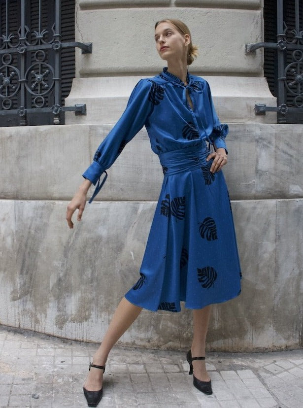 THE TIMELESS DRESS IN BLUE
