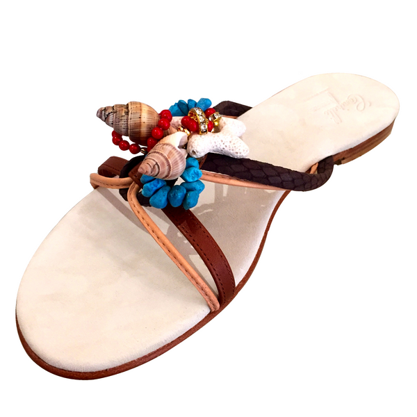 COGNAC WHITE SANDAL WITH SHELLS