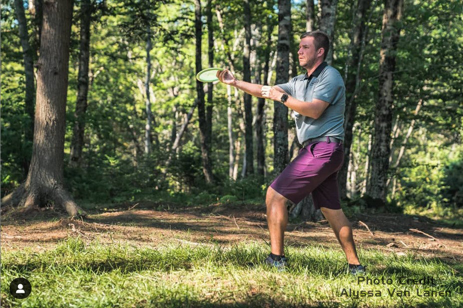 Nate Sexton throwing a disc golf forehand - photo by alyssa van lanen