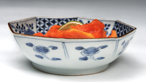 Imari bowl, octagonal rim, blue and white