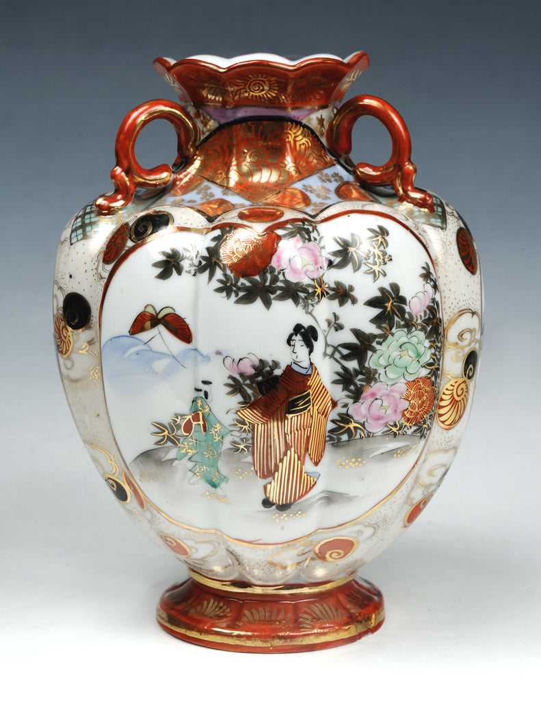 Imari vase, polychrome on white