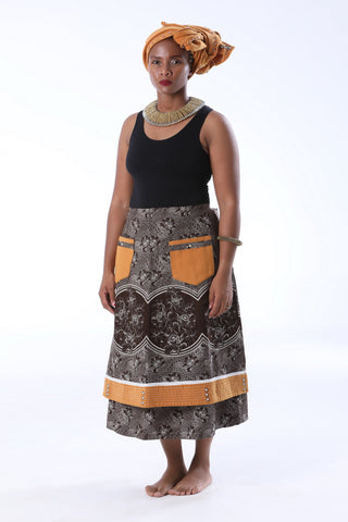 Umbhinqo kaMakoti Skirt with a Melton Doek & Button Detail