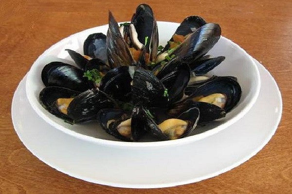 Mussels: Black Mediterranean Mussels 5 pounds $7.95 per pound*