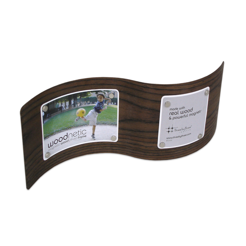 Woodnetic Frame - S-curve walnut