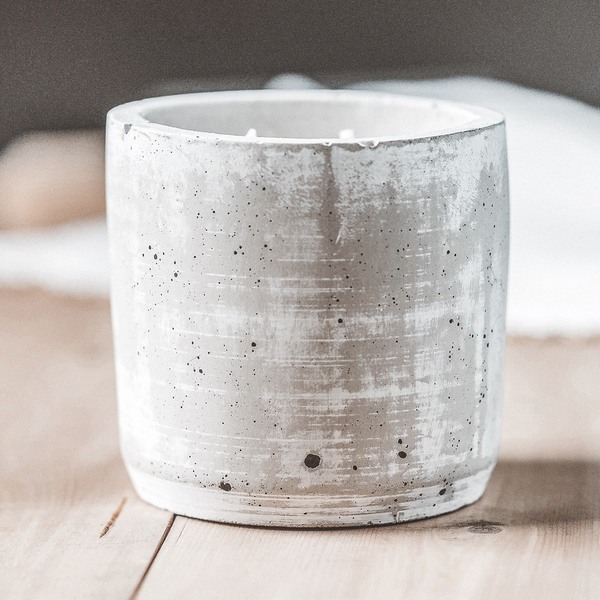 Double Wick Candle ­ Light Concrete ­ Cedar, Cinnamon + Clove