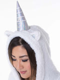 Super Soft Unicorn Cape: Excellent for nervous travelers!