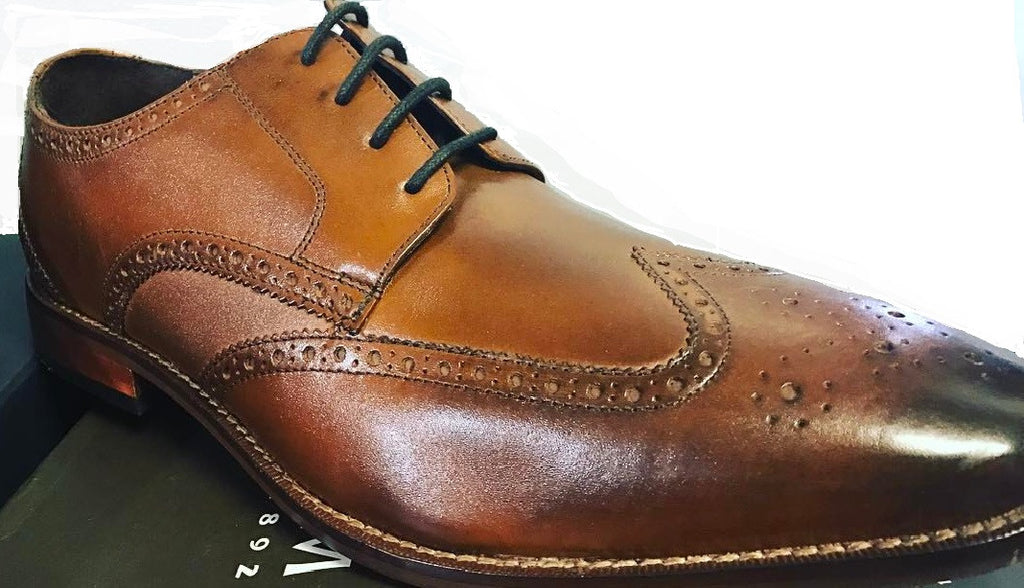 How to Shine your Shoes in 4 easy steps.