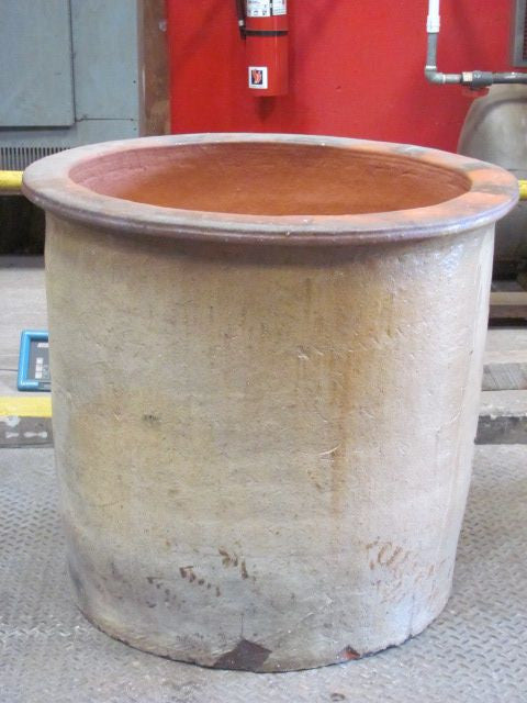 "Planter, 34"" Top Hat"