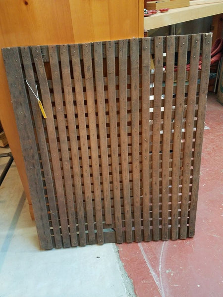 Apple Cider Press, Wood Screen