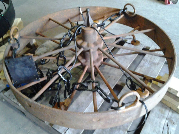 "40"" Wagon Wheel Chandelier"