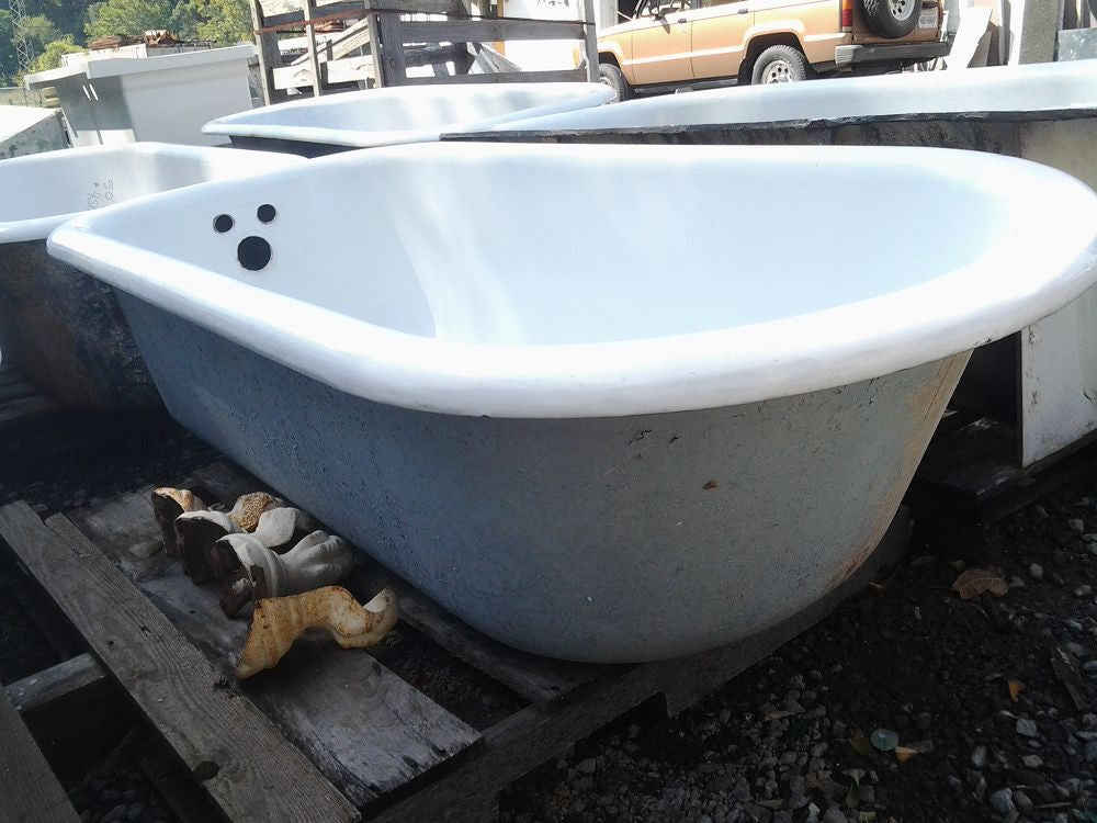 Antique Cast Iron Bath Tub - 5.5'