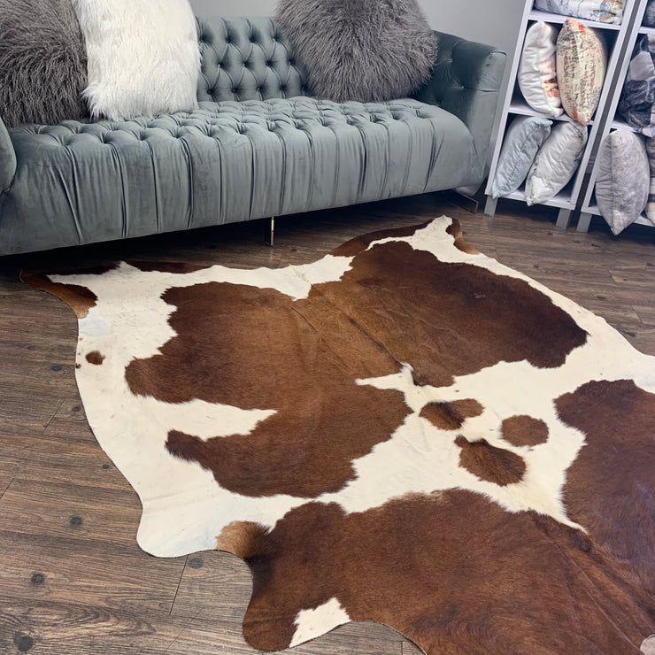Real Leather Cowhide Cow 18 by Rug Factory Plus
