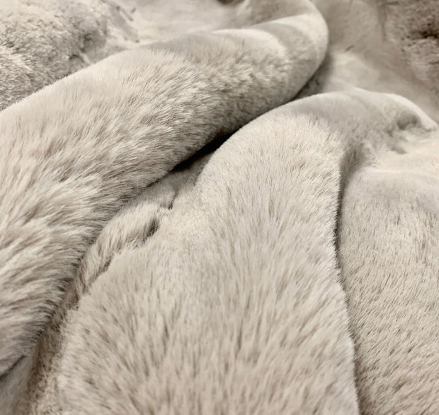 Luxury Chinchilla Feel Faux Fur Blanket by Rug Factory Plus
