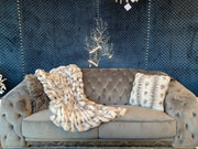 Nuevo Two-tone Gray/ White Throw by Rug Factory Plus