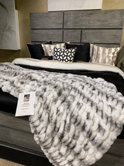 Luxurious Hand Crafted Faux Fur Nuevo Two-tone Blanket/Coverlet by Rug Factory Plus - Rug Factory Plus