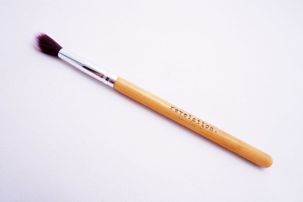 Image of Revelation Makeup Brush that is included in this combo.