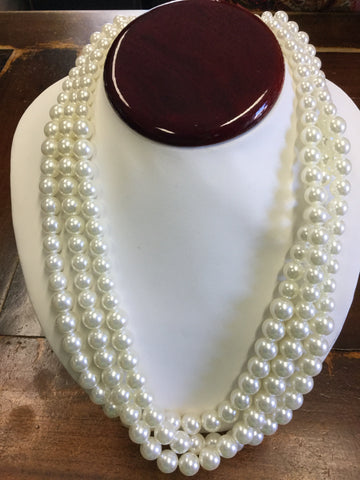 Winnie Beaded Necklace Pearl White