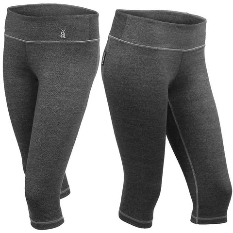 Capri Leggings in Grey Fleck