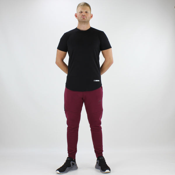 Men's Tech-Fit Tapered Joggers in Oxblood