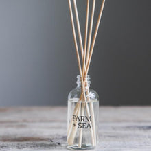 Load image into Gallery viewer, Fir Tree - Reed Diffuser
