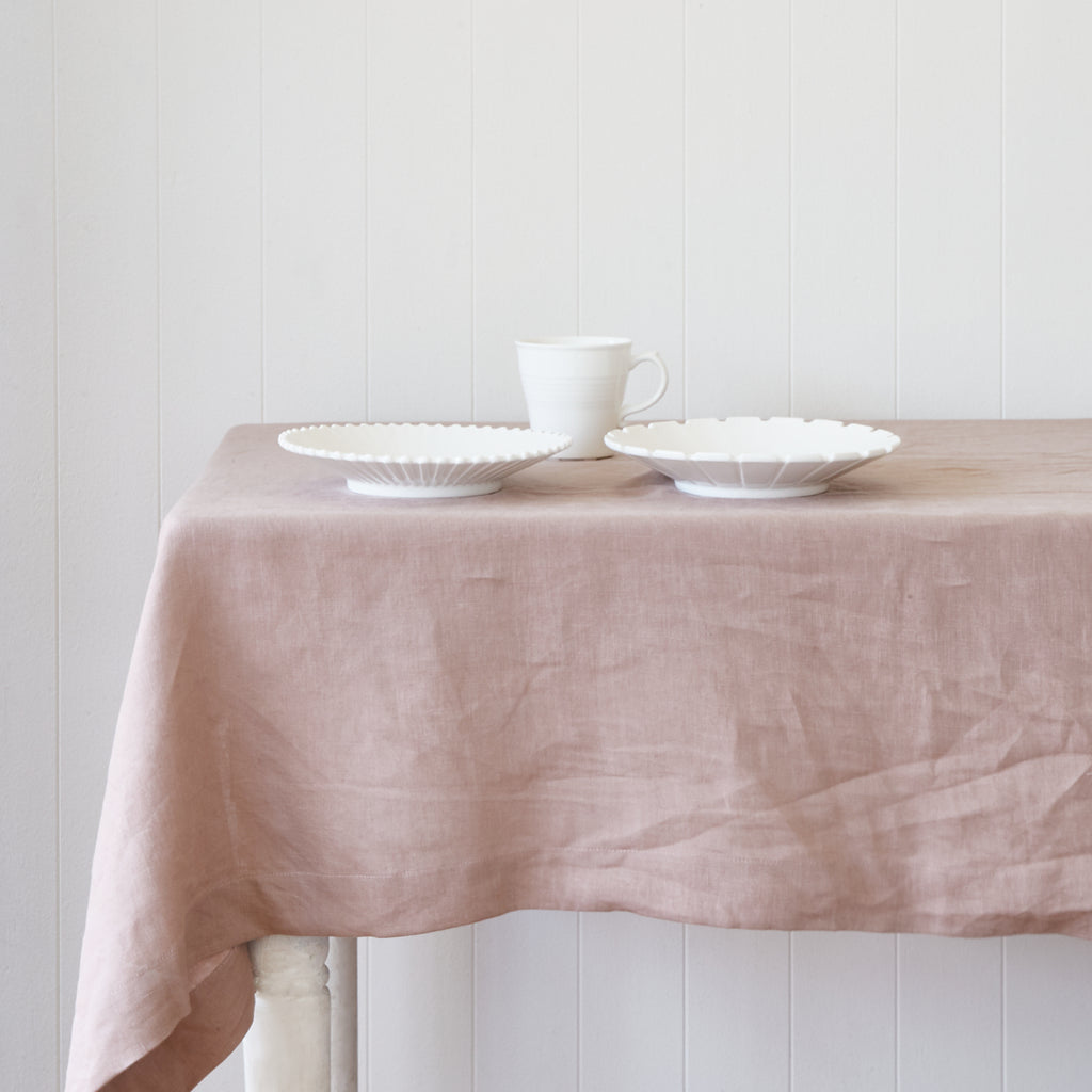 Bed of Roses Table Cloth