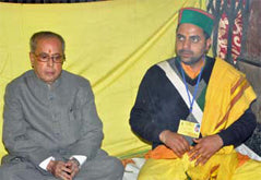 Eshwar Bhakti priest with President of India