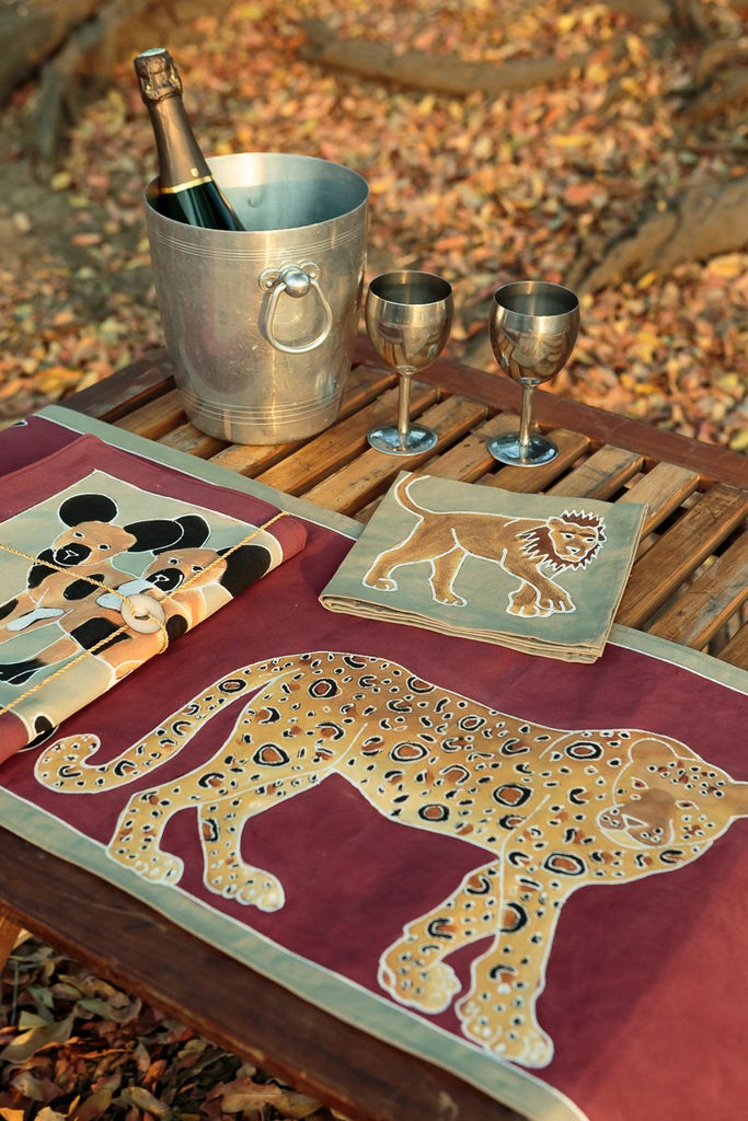 Hand-painted Napkins with african carnivores