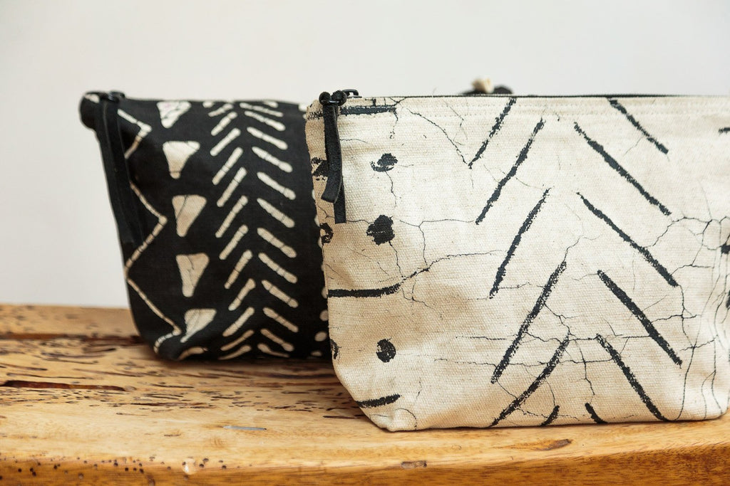 Wash Bags - Matika - Black Linear