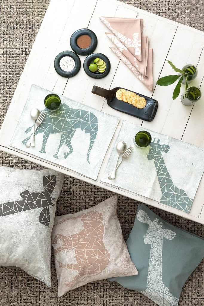 Table Runners - Crackle Animals Light Grey