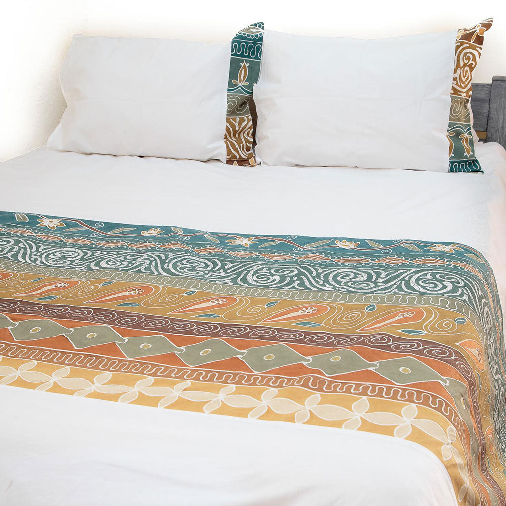 Hand-painted duvet cover and pillowcase in earthy tones
