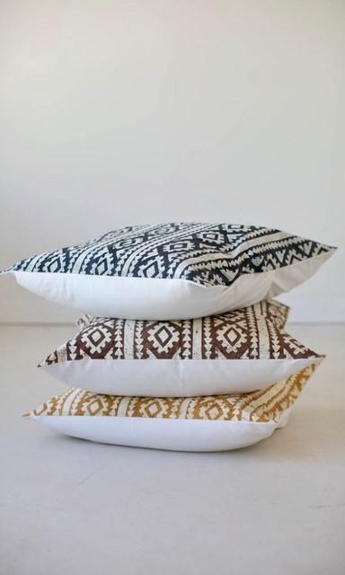 Throw Pillows - Moroccan Crackles Brown