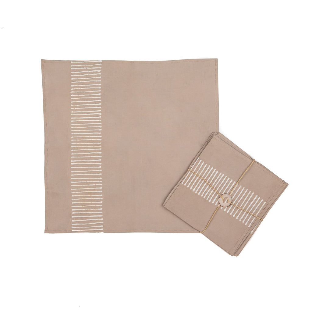 Napkins Hand-painted with lines in grey colours