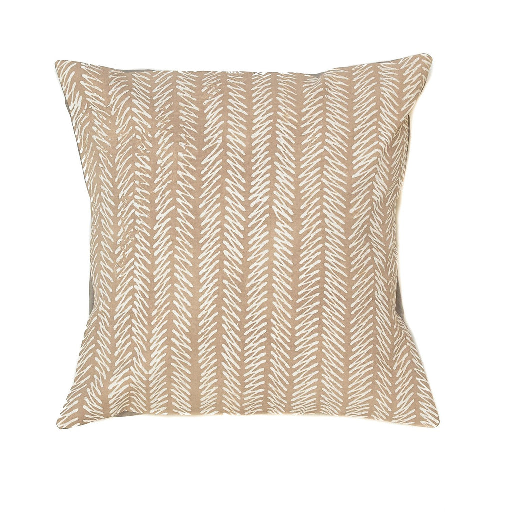 Throw Pillow with geometric print in light grey colour