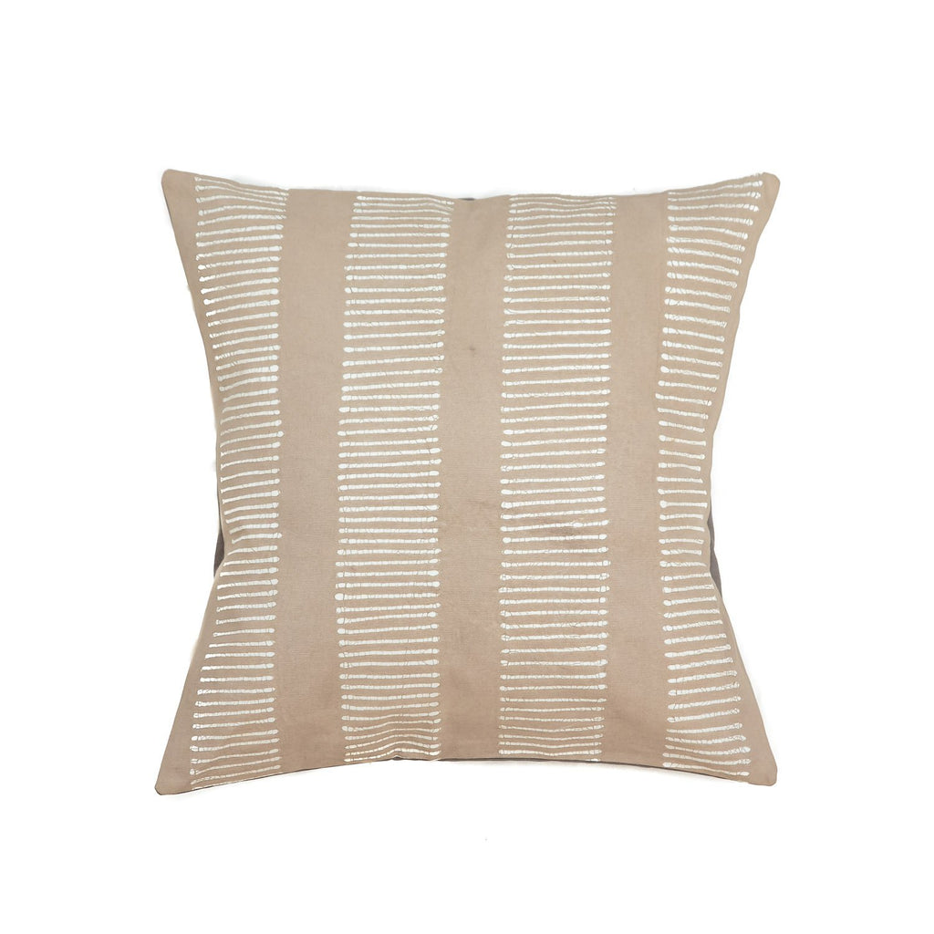 Throw Pillow with dots in light grey colours