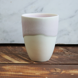 Coffee Cup in White/Rosa
