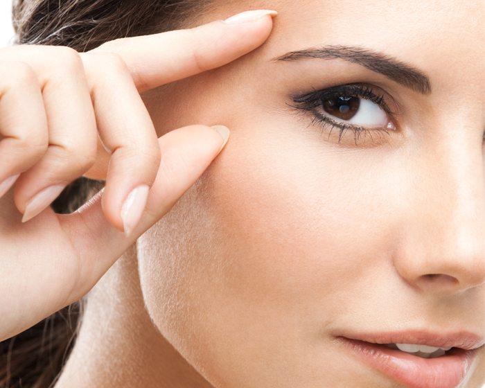 how to use eye serum