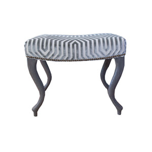 The Grace bench in smoke grey
