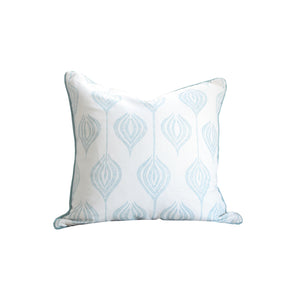 Hawthorne House Bespoke 22 x 22 pillow in Allegra Hicks Tulip print in blue