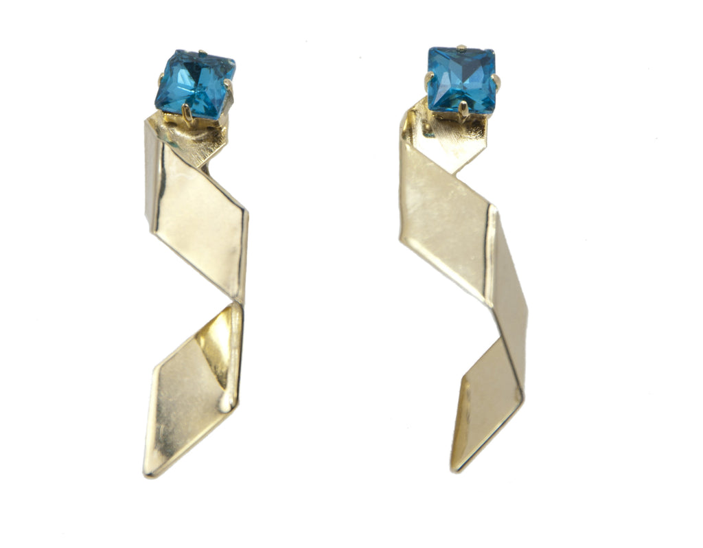 14 kt gold plated earrings with blue swarovski